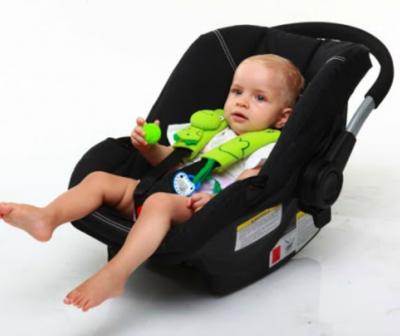 Ben Bat Seat Belt Pals untuk anak usia 0-12 bulan, contoh pemakaian di infant car seat