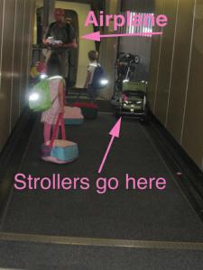 contoh stroller ukuran besar atau stroller model umbrella sampai di belalai